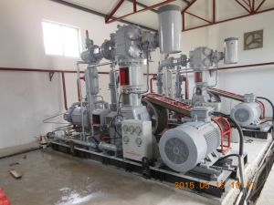High Pressure Air Compressor/Air Compressor/Water Cooling Air Compressor pictures & photos