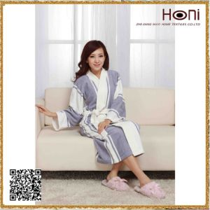 Newest Design Promotional Wholesale Bathrobe for Women pictures & photos