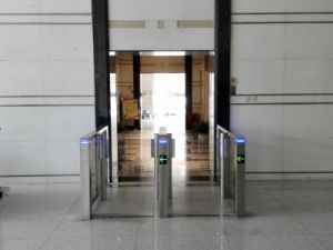 Fingerprint Access Control Fast Speed Gate pictures & photos