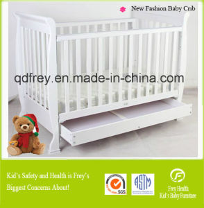 Hot Baby Cot/Crib/Bed with Solid Wood pictures & photos