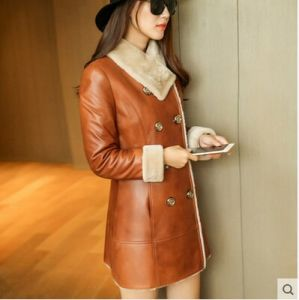 Winter Real Shearling Coat and Fur Coat for Lady Long Style pictures & photos