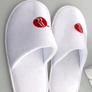 Luxury Slippers for 5 Star Hotel with Logo Embroidery (DPF10329) pictures & photos