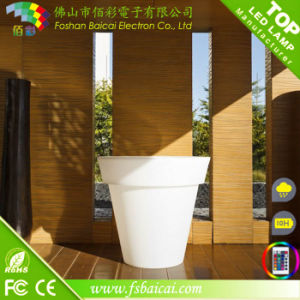 Outdoor Solar Powered Home Balcony Flower Pot pictures & photos