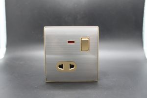 Different Color 1 Gang Wall Socket and Switch European Style pictures & photos