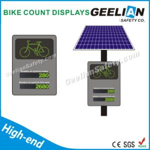 Aluminum Solar Pedestrian Flashing LED Traffic Signs pictures & photos