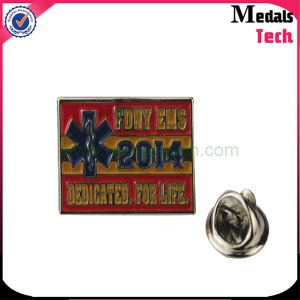 Funny USA Soft Enamel Metal Iron Flag Lapel Pins (MTLP006) with Rubber Clips pictures & photos