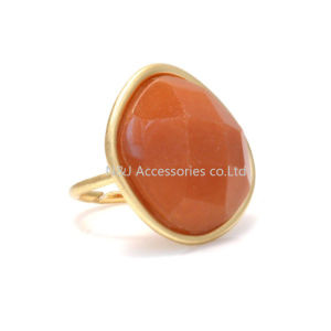 Fashion Jewelry Alloy Natural Stone Ring for Women′s Birthday Gift pictures & photos