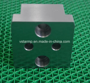 High Precision CNC Lathe Machining Parts for Sewing Machine pictures & photos