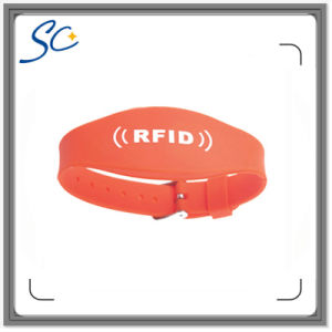 RFID Classic S50 1k Waterproof Silicone Wristband with Logo pictures & photos