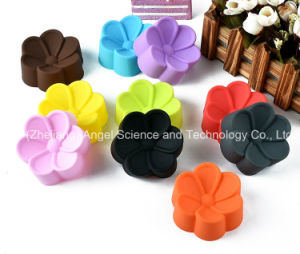 Eco-Friendly 7cm Cake Tool Silicone Muffin Mould Sc50 (L) pictures & photos
