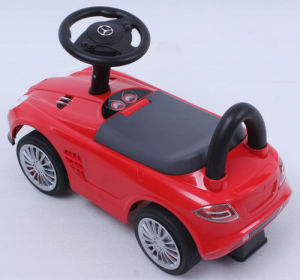2016 Latest Licensed Ride on Car with Light and Music. pictures & photos