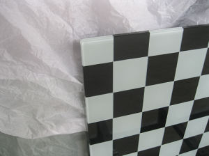 10mm Black and White Square Printing Toughened Glass as Table Top pictures & photos