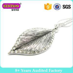 Hot Selling Leaf Alloy Jewelry Pendant Necklace Wholesale pictures & photos