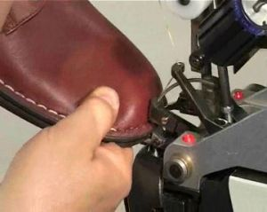 Ornamental Side Seams Thread Lockstitch Leather Shoes Sole Stitching Machine pictures & photos