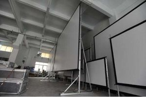 Hot Sale High Quality Tripod Projection Screen pictures & photos