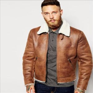 2016 Hot Sale Cool Men Faux Shearling Jacket in Tan pictures & photos