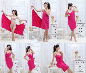 Magic Microfiber Bath Towel Beach Towel with Strap pictures & photos