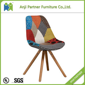 Artisitc Design Fabric and Solid Oak Wooden Legs Dining Chair (Kammuri) pictures & photos