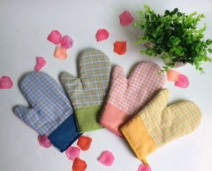 Promotion Price Logo Customized Kitchen Gloves Oven Mitts pictures & photos