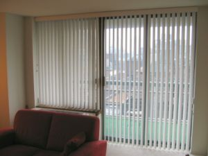 89mm PVC Vertical Blinds Manual Control for Hotel pictures & photos