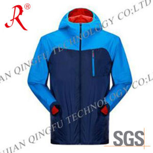 Waterproof and Breathable Ski Jacket (QF-6081) pictures & photos