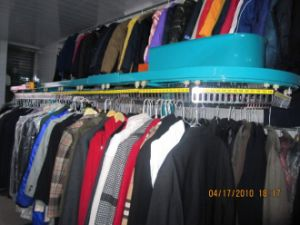 Operated Laundry Clothes Conveying Machine pictures & photos