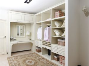 2015 Welbom Solid Wood Walk-in Closet/ Wardrobe pictures & photos