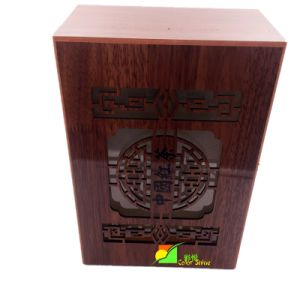 Classic Red Wooden Deluxe Packing Gift Box pictures & photos