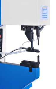 Automatic Fastener Installation Machine pictures & photos