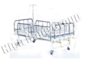 Manual Medical Barrier Double-Function Bed pictures & photos