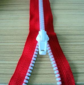 Custom Branded High Quality Open End Plastic Zipper pictures & photos