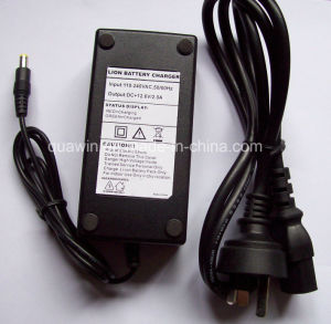 12.6V 2A Automatic Universal 18650 11.1V Lithium Battery Charger pictures & photos