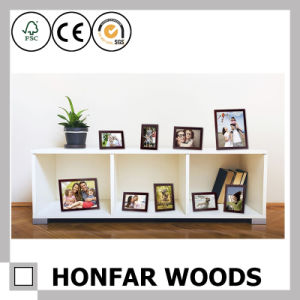 Modern White Wooden Picture Photo Frame with Mat pictures & photos