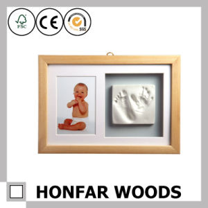 New Modern Home Decoration Wood Baby Photo Frame pictures & photos