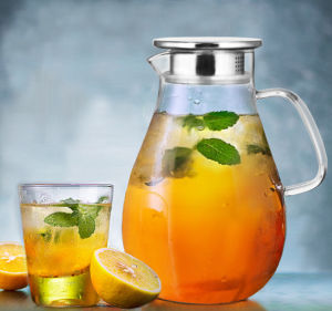 2000ml Water Pitcher with Stainless Steel Lid and Glass Handle Borosilicate Glass Handmade and Mouthblown pictures & photos