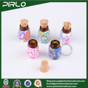 0.5ml Polymer Clay Surface Glass Cork Bottle Mini Perfume Pendant Amber Glass Vial with Wood Cork Stopper pictures & photos