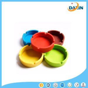 Easy Clean Candy Color/Pure Color Silicone Ashtray pictures & photos