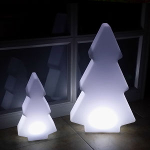 PE Material Plastic Holiday Decoration LED Christmas Tree (D013) pictures & photos