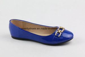 Flat Heel Women Shoes Shinning PU Upper Lady Shoes pictures & photos