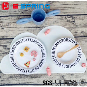 Non-Slip Cute Removable Clouds Shape Baby Feeding Silicone Table Mat pictures & photos
