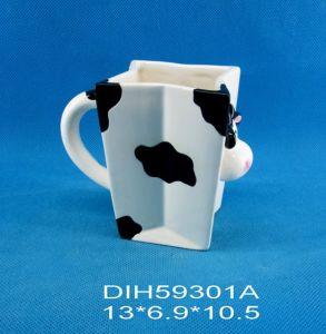 Hand-Painted Ceramic Cow Coffee/Tea Mug pictures & photos