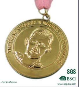 Gold Metal Medal with Customized Design Selling Well. pictures & photos