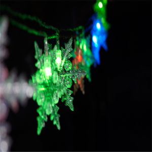 Ce&RoHS Approved Bo Light Chain with Snowflake for Decoration pictures & photos