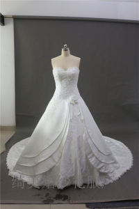 High-Grade Big Trailing White Bridal Dress Wedding Gown with Beading pictures & photos