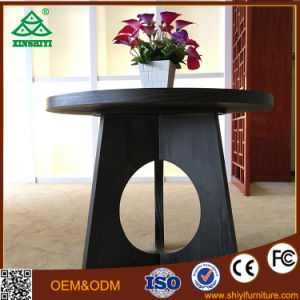 Round Table and Three Chairs for Dining Furniture pictures & photos