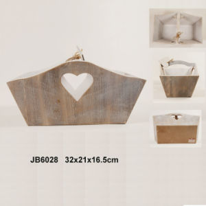 En71 ASTM Standard Vintage Wooden Storage Box with Heart Design pictures & photos