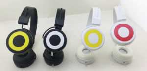 Newest Cool Style Headphone for iPad/iPhone/Samsung pictures & photos
