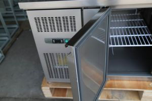 Stainless Steel Top Refrigerator for Salad Bar pictures & photos