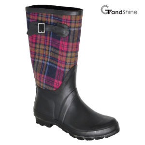 Wellie Rubber Rainboot with Adjustable Strap pictures & photos
