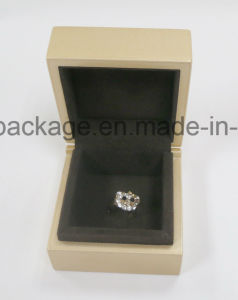 Luxury Handmade Golden Small Square Gift Jewelry Wooden Box pictures & photos